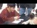팬의 아기를 보는 유노윤호